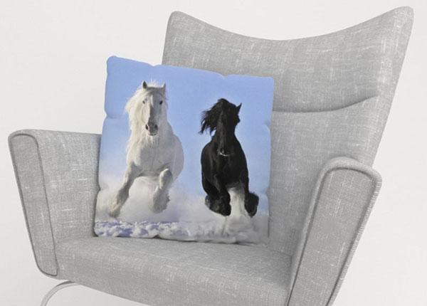 Декоративная наволочка Horses