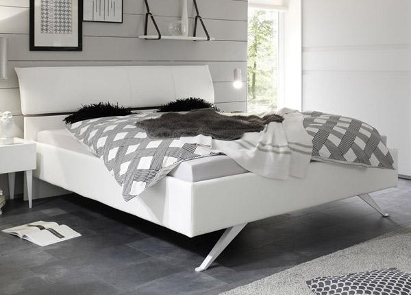 Кровать Cosmo