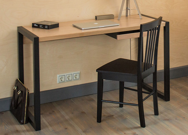 Рабочий стол Renfrew, дуб/чёрный